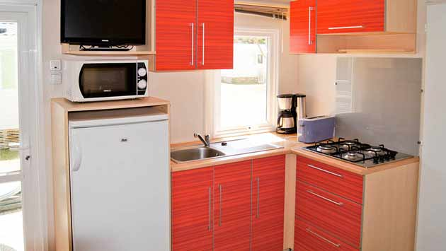 mobil home 3 bedroom kitchen ile de re