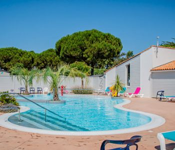 camping with outdoor swimming pool ile de ré