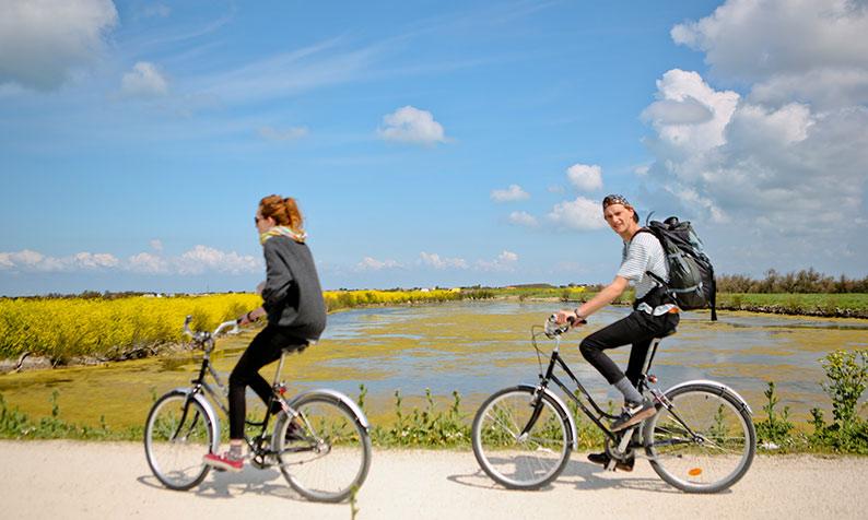 Fahrrad beim Campingplatz Île de Ré